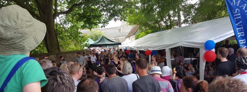 THOUSANDS FLOCK TO SENSATIONAL STREET FESTIVAL
